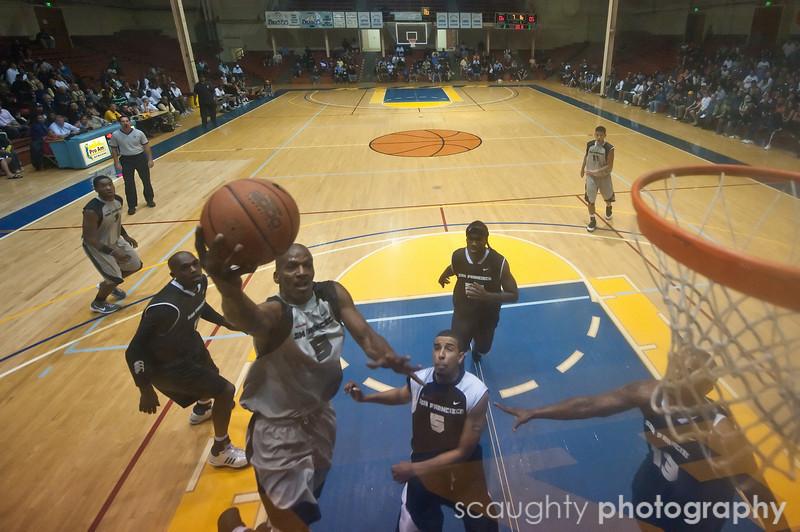 08-12-09_Edited_SF_Summer_League_Roeder_1.jpg