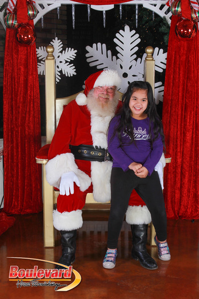 Santa 12-17-16-98.jpg