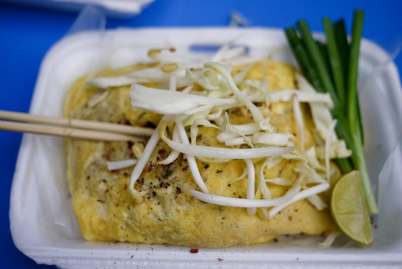 pad thai omelet (1).jpg