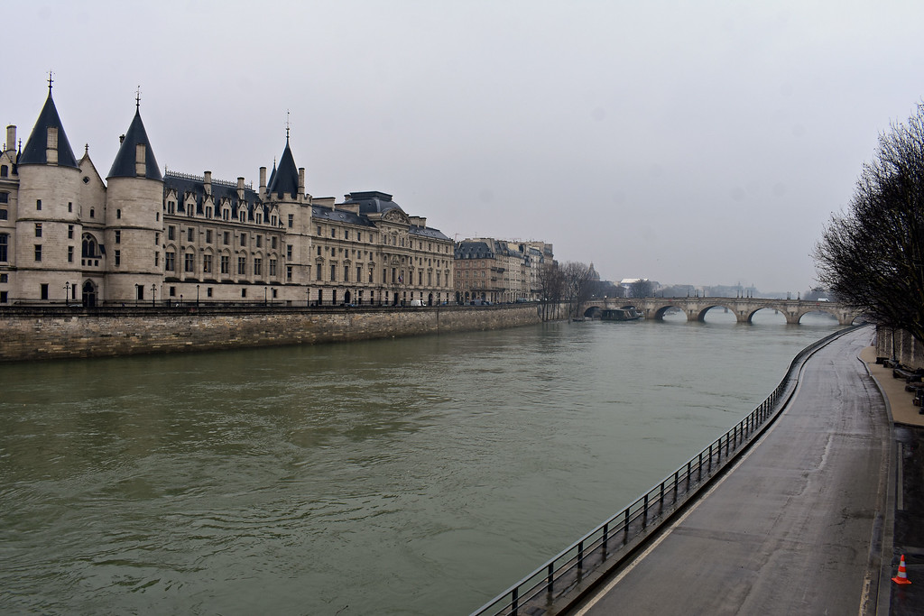 Pont Neuf in Paris, France