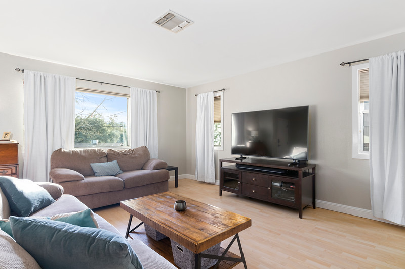 4505 Lobos 11 Living Room.jpg