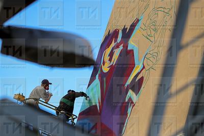 29.06.2018  В Казани рисуют граффити с Месси (Ильнар Тухбатов)
