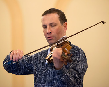 Tom Stone, violin
