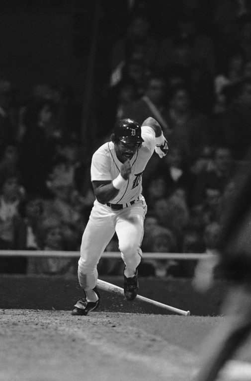 . Detroits Chet Lemmon races to first to beat the throw after grounding to San Diego shortstop Garry Templeton in the sixth inning of the World Series at Tiger Stadium, Friday, Oct. 12, 1984, Detroit, Mich. Lemmon beat Templetons throw to first baseman Steve Garvey. (AP Photo/Ron Heflin)