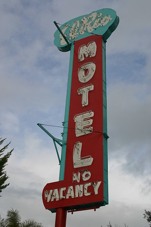 2010 0221 Old Motel Signs