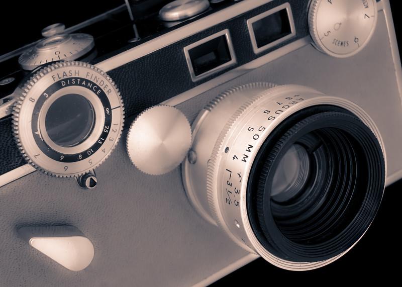 Argus C3 Matchmatic 35mm film camera
