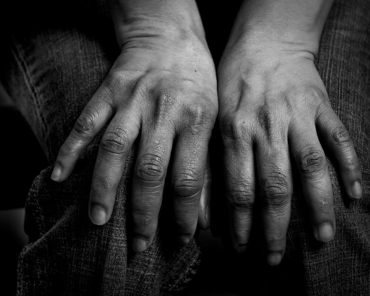 Hands_L08_1s.jpg