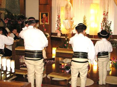 Wielkanocne uroczystostosci u Sw. Kamila