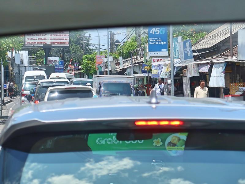 IMG_4560-traffic-in-kuta.jpg