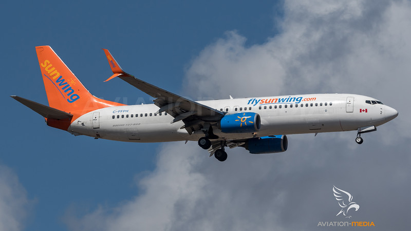 Sunwing (operating for Thomson) / Boeing B737-81D / C-FFPH