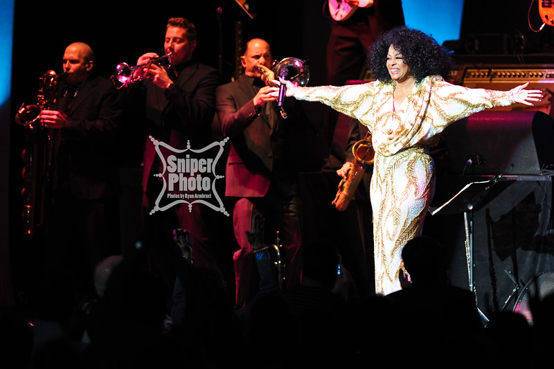Diana Ross - Louisville Palace - Sniper Photo-10.jpg