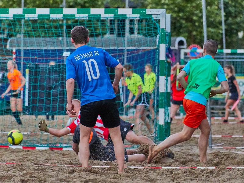 20170616 BHT 2017 Beachhockey & Beachvoetbal img 280.jpg