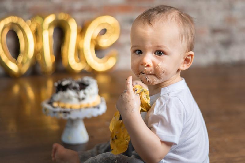 3/26/21 AARON CAKE SMASH