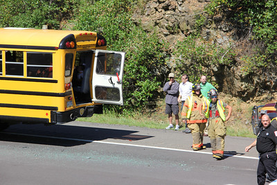 Tractor Trailer Rear-Ends School Bus, Southbound, Interstate 81, Luzerne County (7-26-2013)