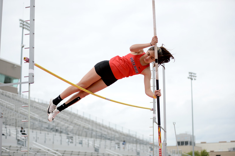 HS-Track-13-6A-District-Championships_004.jpg
