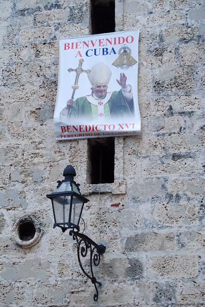 Bienvenido El Papa Plaza de la Catedral - Lou Tucciarone