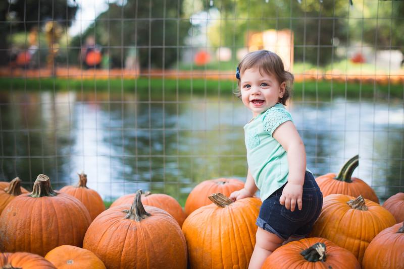 Stevies First Pumpkins-4434.jpg