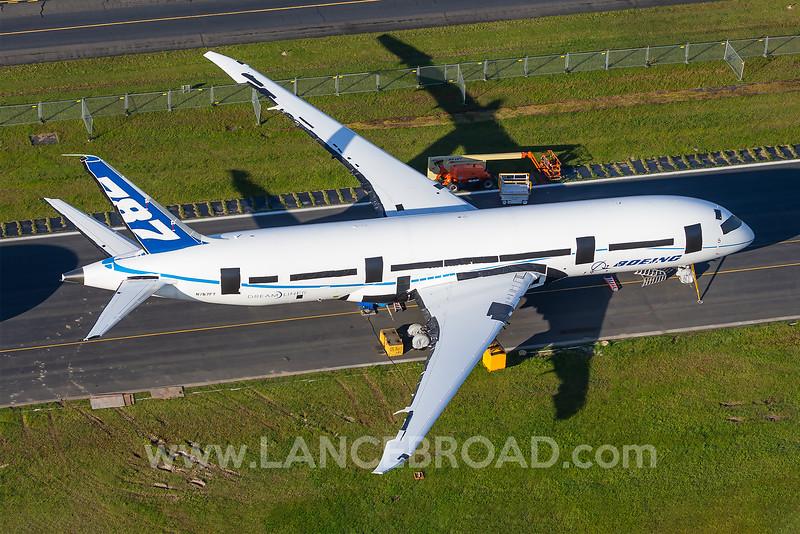 Boeing 787-8 - N787FT - PAE