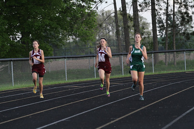 2013 MHSAA Highland Conference Girls 400 Meter