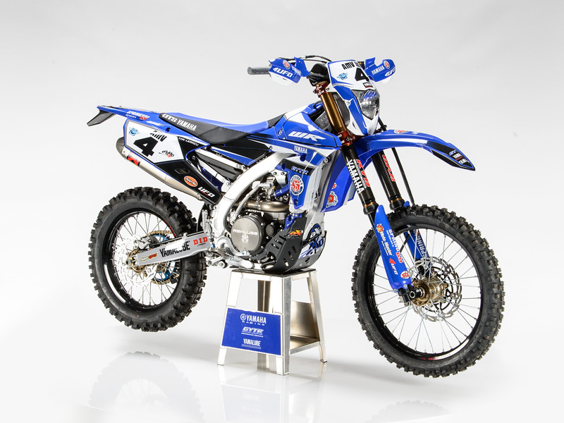 2017_YR_OUTS_static_WR450F_LARRIEU_003.jpg
