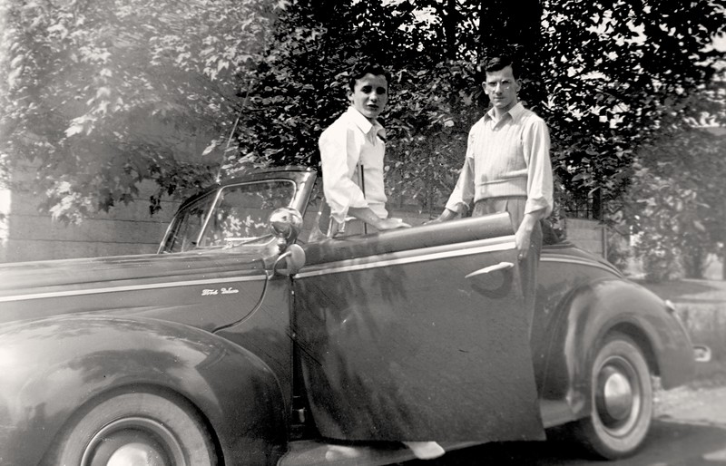 Dad with Ford Deluxe-7396.jpg