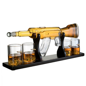 Rifle decanter with 4 Bullet glasses