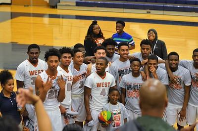 WMHS Basketball  Boys WIN over TX HS.  2016-17