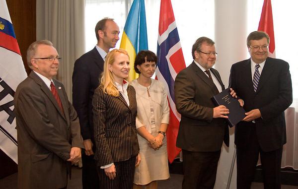 Ukraine FTA Signing (2010-06-24)