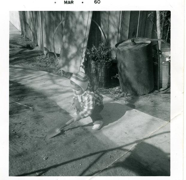 1960-03-joe-in-the-backyard-shovel1.png