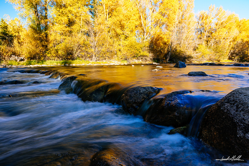 Autumn color on the Blue River