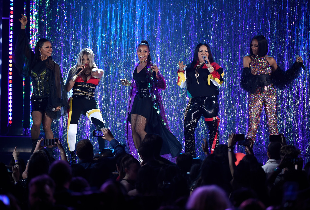 . Sandra Jacqueline Denton, also known as Pepa, second from left, and Cheryl Renee James, also known as Salt, second from right, of Salt-N-Pepa, and Cindy Herron, from left, Terry Ellis and Rhona Bennett, of En Vogue, perform a medley at the Billboard Music Awards at the MGM Grand Garden Arena on Sunday, May 20, 2018, in Las Vegas. (Photo by Chris Pizzello/Invision/AP)