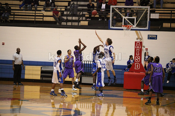 McCallumvsLBJ_BoysBball_02_01_11