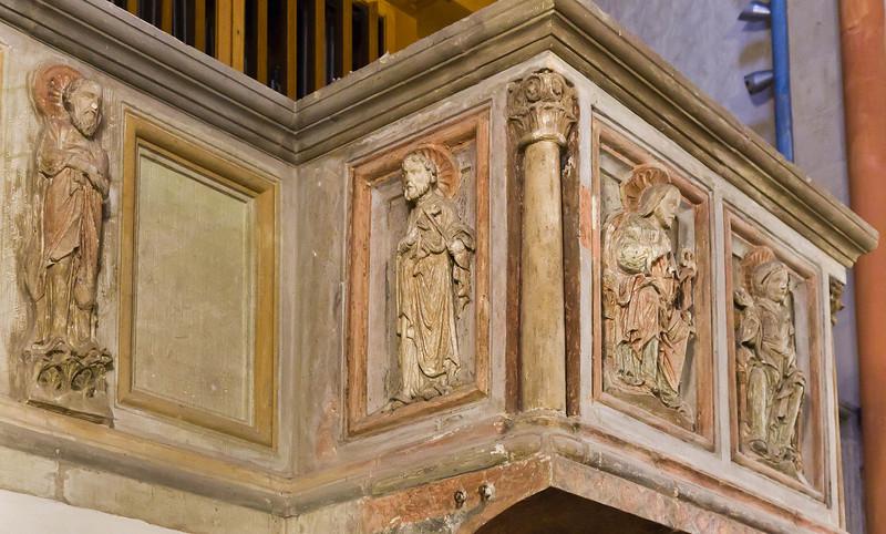 Goslar. Neuwerkkirche: Stuckreliefs der ehem. Lettnerkanzel - Apostel, Petrus, Jesus, Maria