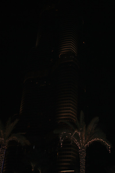We insisted that our cab driver take us by the Burj Khalifa - had to see this crazy construction up close.