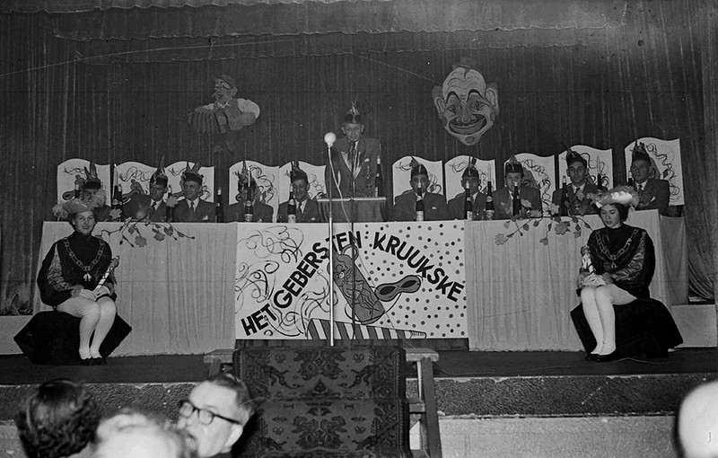 Eerste Lustrum Het Geberste Kruukske in de Gezellenvereniging (Kolpinghuis)