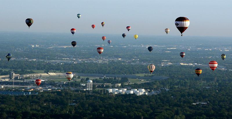 2010 5-09-10 Centennial Era Ballon Festival near Indianapolis.jpg
