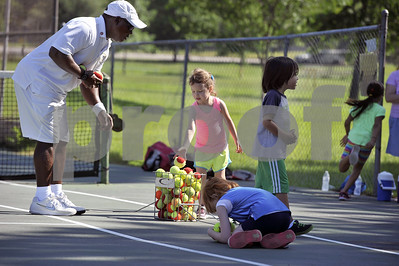 youth-learn-lifelong-sport-at-free-tennis-program-camp