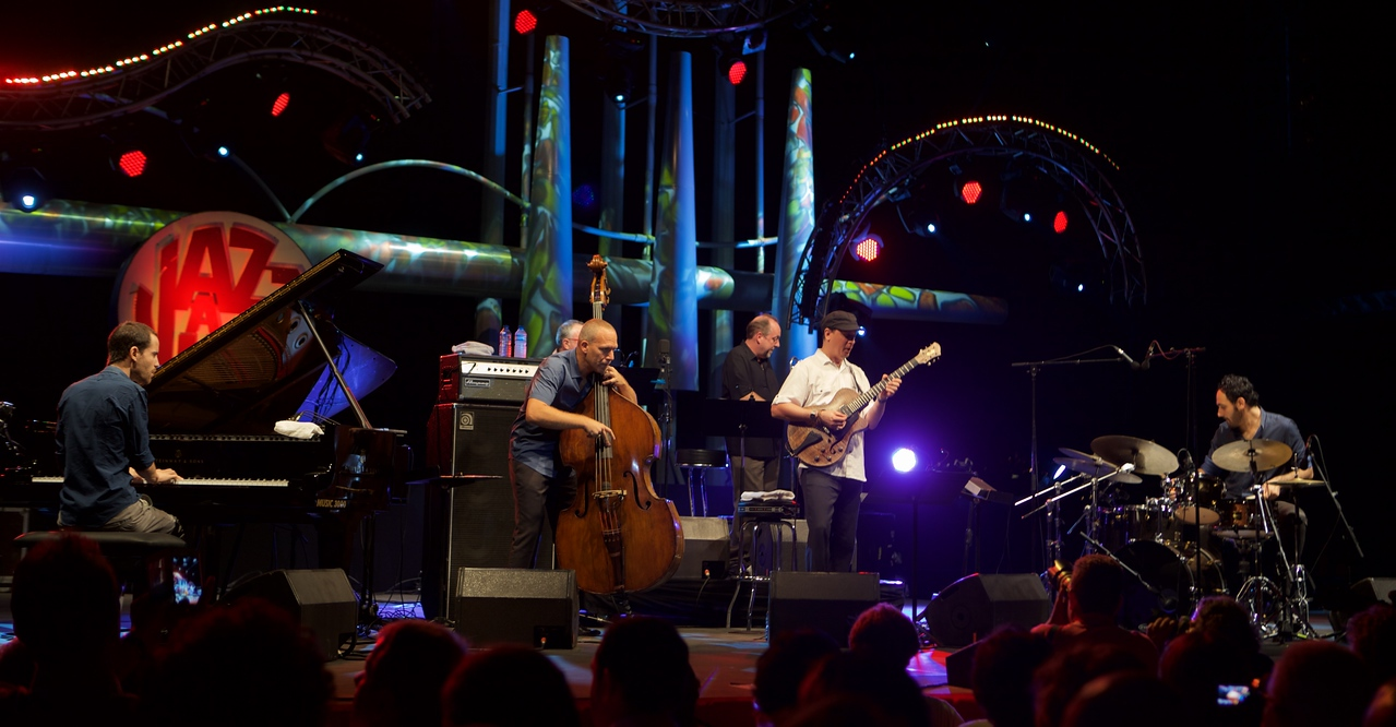 Avishai Cohen at Jazz à Juan 2015 3