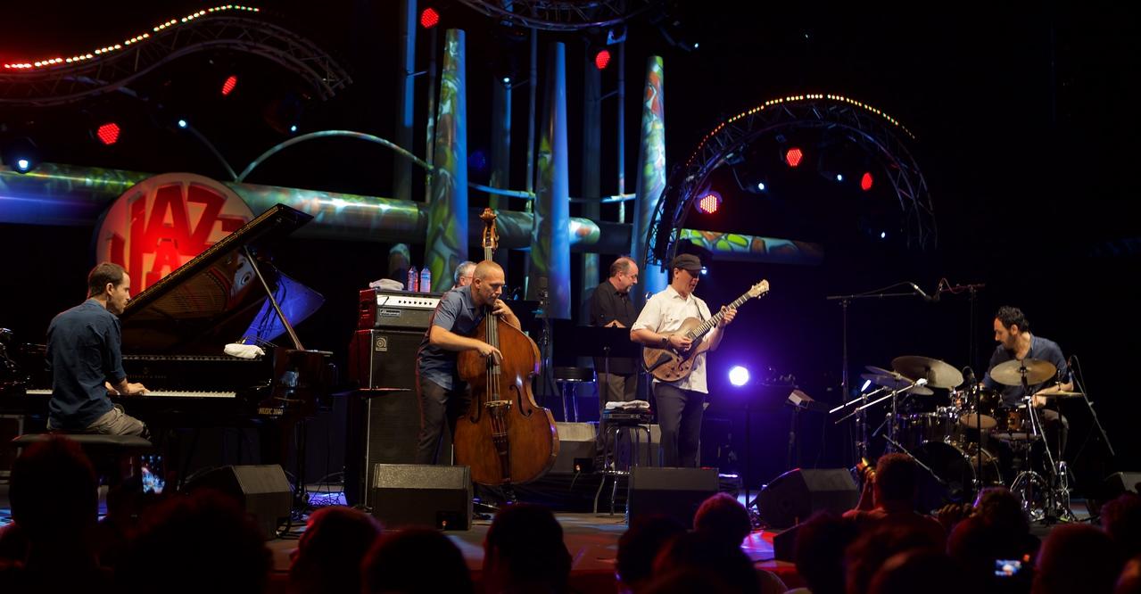 Avishai Cohen at Jazz à Juan 2015 3