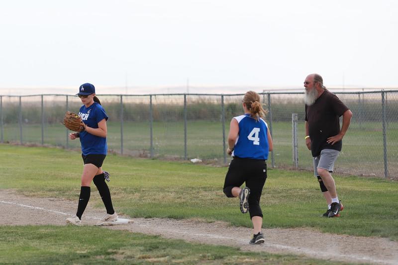 Softball_6831.JPG