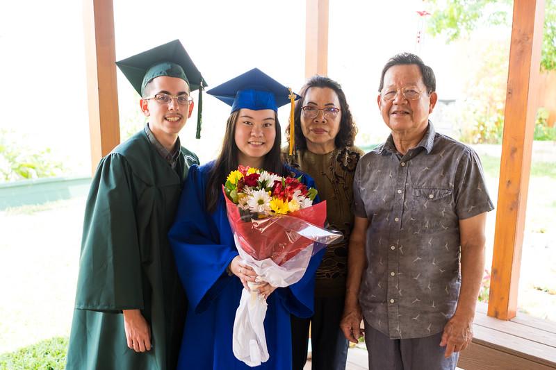 20190602_april-hs-graduation_040.JPG