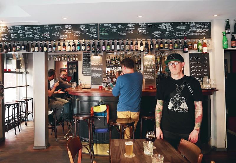Black Swan Bar