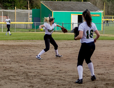 Set six: Vashon Island High School Fastpitch v Rainier Christian