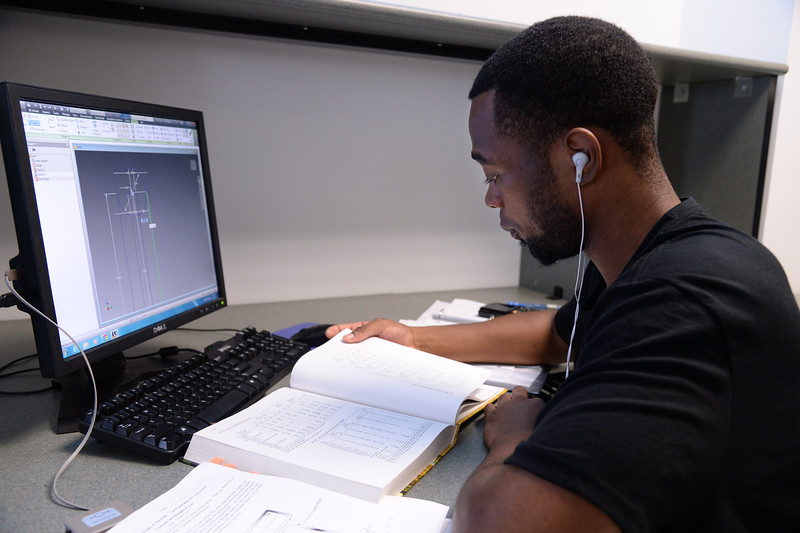 an-engineering-student-works-on-a-project-using-an-autocad-program_14747287743_o.jpg