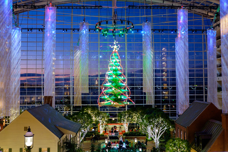 Gaylord National Harbor at Christmastime