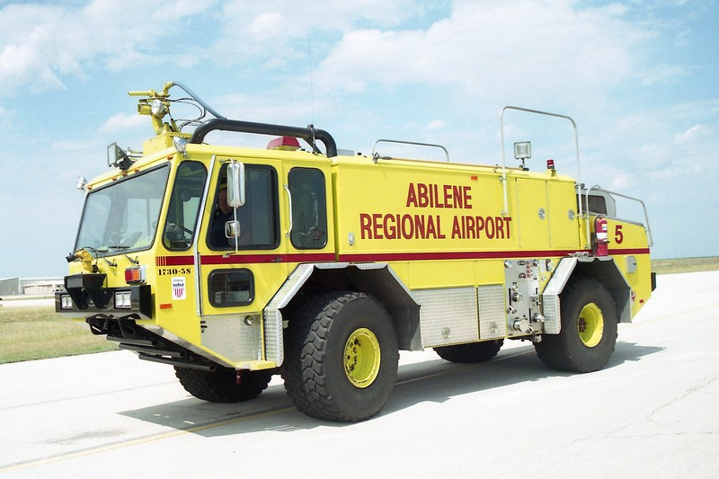 Abilene TX - Airport Rescue 3 - 1990 E One Titan 1250-1500-200F #7423.jpg