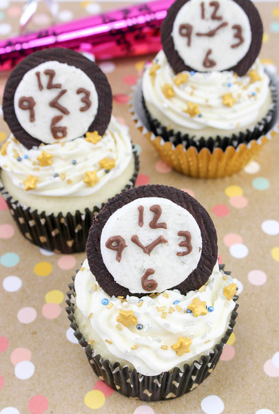 New Year's Eve Countdown Cupcakes 5.jpg