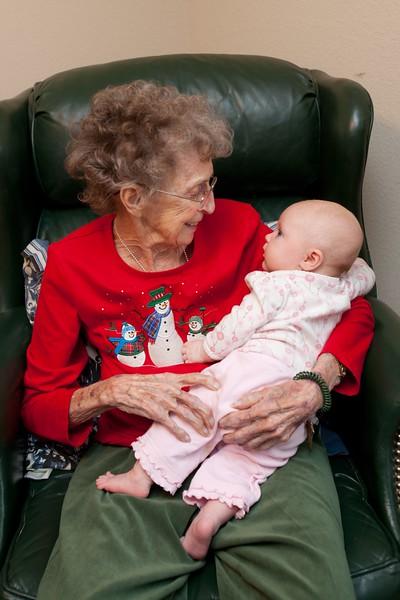 2013-12-14 Great Grandma Annie with Kate at 16 weeks old-2.JPG