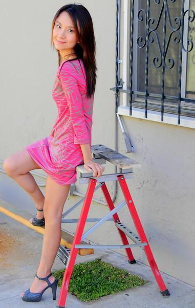 beautiful woman model red dress 114.43.43.5