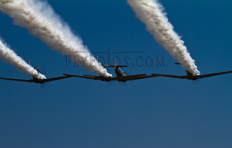GEICO Skytypers Formation with smoke-7045.jpg